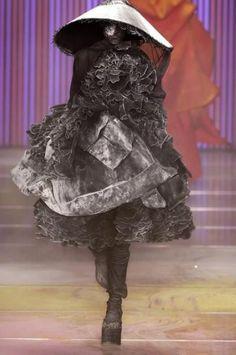 John Galliano couture |- o desfile q mais amo na vida S/S 2002-03