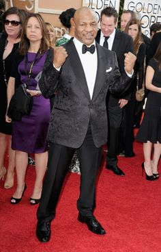 Mike Tyson rocked a cool textured blazer at the #goldenglobes