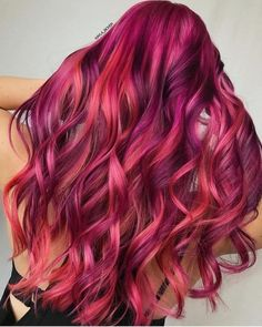 Hairstyles and Beauty: The Internet`s best hairstyles, fashion and makeup pics are here. Bold Hair Color, Pretty Hair Color, Hair Dye Colors, Love Hair, Gorgeous Hair, Purple Hair, Ombre Hair, Sunset Hair, Creative Hair Color