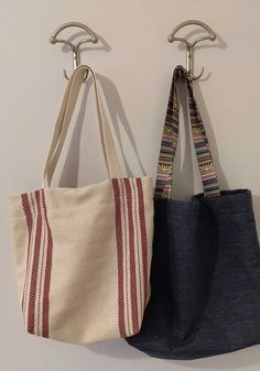 Sewing Crafts, Sewing Projects, Diy Tote Bag, Jute Bags, Simple Bags, Fabric Bags, Shopper Bag, Leather Fabric, Handmade Bags