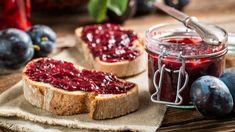 The easiest way to make homemade jelly and jam with the Ball FreshTECH Automatic Jam & Jelly Maker. How to make homemade pomegranate jelly. Homemade Jelly, How To Make Homemade, Plum Jam Recipes, Fruit Jam, Delicious Fruit, Summer Fruit, Best Diets, Snack, Snacks