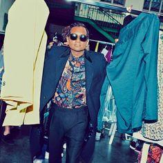 Aziz-Ansari-GQ-Style-1517-GQ-FEAA02-03.jpg