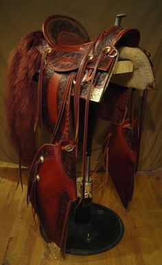 Custom made western saddle. This is a stunning example of old time slick fork saddles that will make a statement in any arena. Cowboy Gear, Cowboy And Cowgirl, Cowgirl Style, Cowboy Hats, Cow Girl, Cow Boys, Cowboys And Angels, Cowboys And Indians, Horse Gear