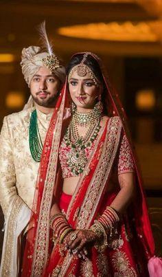 Indian Wedding Poses, Indian Wedding Couple Photography, Indian Bridal Photos, Indian Bridal Outfits, Indian Bridal Wear, Bridal Photography, Sikh Wedding, Bollywood Wedding, Gothic Wedding