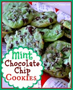 Mint Chocolate Chip Cookies Ingredients: 1 pouch of Betty Crocker sugar cookie mix c butter, softened tsp mint extract 7 drops green food coloring 1 egg 1 c creme de menth baking chips 1 c semisweet or dark chocolate chips (I used a combination) MOM lol Yummy Cookies, Yummy Treats, Delicious Desserts, Sweet Treats, Yummy Food, Cookie Desserts, Cookie Recipes, Dessert Recipes, Mint Desserts