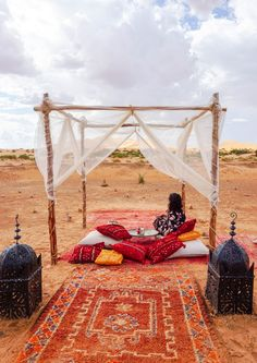 Camping in Morocco: Experience a Sahara Desert Luxury Camp - This Darling World Camping List, Camping Hacks, Checklist Camping, Luxury Camping, Luxury Travel, Canada Travel, Travel Usa, Desert Sahara, Balkon Design