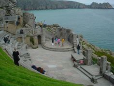 Google Image Result for http://www.cornishcottagesonline.com/dynimg_attr_large/The_Minack_Theatre_Cornwall~68~41.jpg