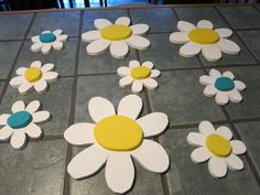 Spring flowers Wood Flowers, Glass Flowers, Scroll Saw Patterns, Summer Crafts, Wood And Metal, Spring Flowers, Wood Projects, Woodworking, Craft Ideas