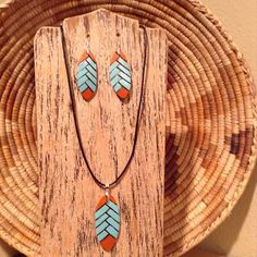 Excited to share the latest addition to my shop: Native American Turquoise and Coral herringbone pyrography gourd necklace set Resin Jewelry, Jewelry Crafts, Jewelry Ideas, Jewlery, Clay Earrings, Beaded Earrings, Teracotta Jewellery, Native American Earrings, Painted Gourds