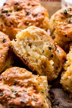 Super buttery, flaky, and easy homemade cheddar biscuits! Skip Red Lobster and make these biscuits at home. Recipe on sallysbakingaddiction.com