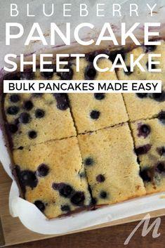 Blueberry pancake sheet cake – bulk pancakes made easy – … Blueberry pancake sheet cake – bulk pancakes made easy – Tray Bake Recipes, Sheet Cake Recipes, Lunch Box Recipes, Donut Recipes, Baking Recipes, Pancake Recipes, Breakfast Recipes, Brunch Recipes, Breakfast Ideas
