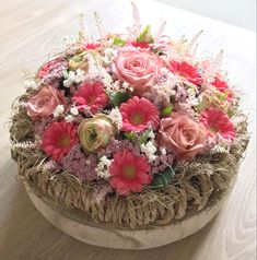 Table Decorations, Flowers, Furniture, Home Decor, Decoration Home, Room Decor, Home Furnishings, Royal Icing Flowers, Home Interior Design