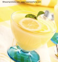 COPPE CREMA AL LIMONE Non avete idee per un dessert facile e veloce? Queste coppe sono veramente semplici e veloci da preparare! Il gusto del limone è deciso ma delicato allo stesso tempo! #cremalimone #limone #coppacrema #hosemprefame