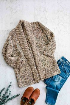Modern, Beginner Crochet Long Sleeve Cardigan – Free pattern + Video Learn how to crochet a long sleeve cardigan with this free pattern and video tutorial using Lion Brand Comfy Cotton Blend (aka Flikka). Crochet Cardigan Pattern, Crochet Jacket, Crochet Shawl, Free Crochet, Knit Crochet, Crochet Sweaters, Easy Crochet, Knitting Patterns, Crochet Patterns