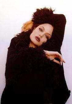 Angelina Jolie burgundy look 90s