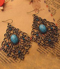 Vintage Solid Stone Rhinestone Earring Blue US$12.00