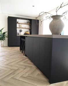 Kitchen Time, Home Decor Kitchen, New Kitchen, Kitchen Dining, Kitchen Modern, Home Room Design, Interior Design Kitchen, House Design, Black Kitchens