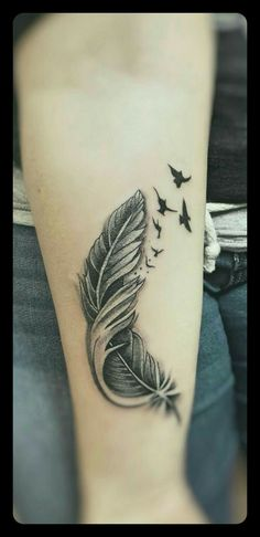 Breaking free never look back - Best Tattoos Ideas Mom Tattoos, Cute Tattoos, Body Art Tattoos, Tattoos For Women, Sleeve Tattoos, Tatoos, Feather With Birds Tattoo, Feather Tattoo Design, Feather Tattoos