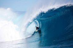 Love Stu Gibson's wave photography!