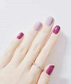 I'm not usually a fan of multicolored nails, but this is so pretty