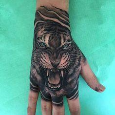 Amazing hand tattoo