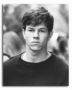 """Marky Mark why do you have to be so crazy? Ok, i love Mark Wahlberg, but I am totally making my daughter watch 'Fear' as a """"warning"""" against the bad boys who are really bad! Mark Wahlberg Fear, Mark Wahlberg Young, Actor Mark Wahlberg, Donnie Wahlberg, Raining Men, Gary Oldman, Movie Photo, Pose, Michael Fassbender"""