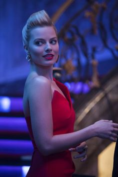 Margot Robbie is a talented artist and very popular among fans. Margot Robbie photo gallery with amazing pictures and wallpapers collection. Margo Robbie, Margot Robbie Focus, Margot Robbie Pictures, Margot Robbie Harley Quinn, Will Smith, Gq, Actriz Margot Robbie, Hearly Quinn, Julia