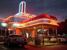 Mel's Diner Fort Myers, Florida. GREAT food & time haf by all. Thanks to the wait staff, cooks, hostesses and Mike the manager.