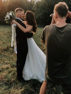More photo on my funpage / click on photo to see more inspiration about  wedding Planning More Photos, Couple Photos, Action Poses, Wedding Photo Inspiration, Wedding Photos, Wedding Planning, Wedding Photography, How To Plan, Wedding Dresses