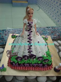 doll cakes | ninie cakes house: Barbie Doll Cakes - White n Violet