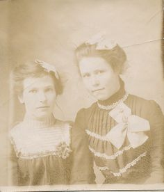 Mary Warnock and Nettie Warnock About 1908 - Photos and Stories — FamilySearch.org
