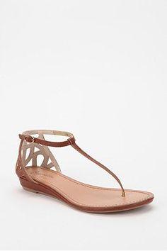 Slim strap brown sandals