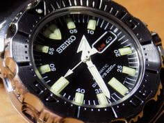 WATCH AND CLOCK COLLECTION: Seiko Black Monster  SKX779K1