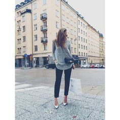 Knitted sweater here // pants from Angelica Blick for BikBok // shoes here // sunglasses here //...