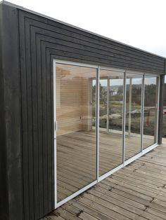 Komplett utestue. Garden room, anneks, lysthus, shed. Design and work by Komplett Utemiljø, Norway.
