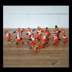 Lot de 12 figurines de Youppi 1985,  Expos de Montreal, Ultramar figurine, Mascotte Expos, MLB, Quebec Canada, Cadeau enfant, Cadeau noel de la boutique PastelEtPixel sur Etsy Baseball Gifts, Sports Gifts, Vintage Toys, Etsy Vintage, Montreal, Mlb, Hand Saw, Gifts For Father, Christmas Gifts