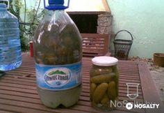 Kovászos uborka télire - tartósítószer nélkül Food Crafts, Pickles, Water Bottle, Wine, Drinks, Gourmet, Preserve, Drinking, Beverages