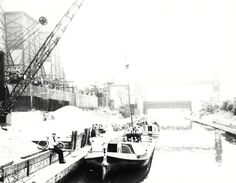 Scene at Willesden Power Station on the Paddington Arm of the Grand Union Canal Merchant Navy, London Pictures, Canal Boat, Sailing Ships, Scene, River, Black And White, Caption, Distance