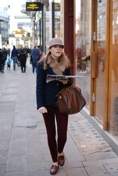 Preppy Casual, Preppy Outfits, Preppy Style, My Style, Dapper Suits, Burgundy Pants, Hams, Comfy Clothes, Classy Fashion