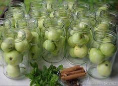 Wyjątkowy kompot z jabłek na zimę - przepis ze Smaker.pl Pickles, Cucumber, Snacks, Fruit, Vegetables, Aga, Appetizers, Vegetable Recipes, Pickle