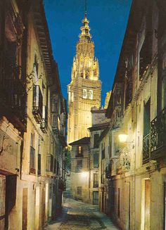 Dejé mi corazón en Toledo.  Where I lived in Spain for 6 weeks.. I miss this city so much!!