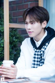 [14.11.16] Astro for Dispatch - Rocky
