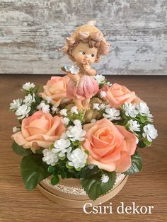 Csiri Dekor Home Small Centerpieces, Decoration Table, Holidays And Events, Easter Crafts, St Patricks Day, Floral Arrangements, Floral Wreath, Spring, Christmas