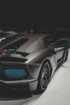 The Lamborghini Huracan was debuted at the 2014 Geneva Motor Show and went into production in the same year. The car Lamborghini's replacement to the Gallardo. Lamborghini Aventador, Lamborghini Photos, Carros Lamborghini, Ferrari F40, Luxury Sports Cars, Maserati, Bugatti, Ford Mustang Shelby, Supercars