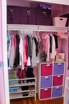 Lego Organization organizingforsix.blogspot.com #bedroomorganization