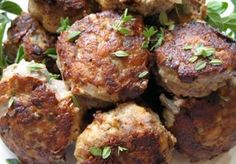 Italian Sausage Meatballs with Fresh Herbs - Paleo Lunch Primal Blueprint Recipes, Primal Recipes, Beef Recipes, Whole Food Recipes, Cooking Recipes, Chicken Recipes, Italian Sausage Meatballs, Sweet Italian Sausage, Italian Sausages