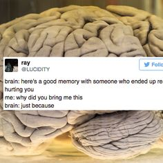 crylaughing bc its funny but also real  25 Tweets That Everyone With A Brain Will Relate To