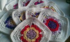 Crochet square: Bolster