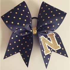 hipgirlclipsCheer bow of the day. @noveltycheerbows Tag #cheerbowoftheday to be…