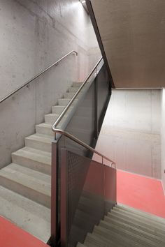 Image 29 of 38 from gallery of Office and Retail Building Nowy Świat / AMC – Andrzej M. Interior Staircase, Arch Interior, Great Buildings And Structures, Modern Buildings, Steel Stairs, Dubai Skyscraper, Concrete Stairs, Stair Handrail, Minimalist Architecture